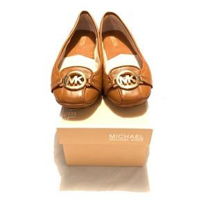 Michael Kors loafers/ flats size 9